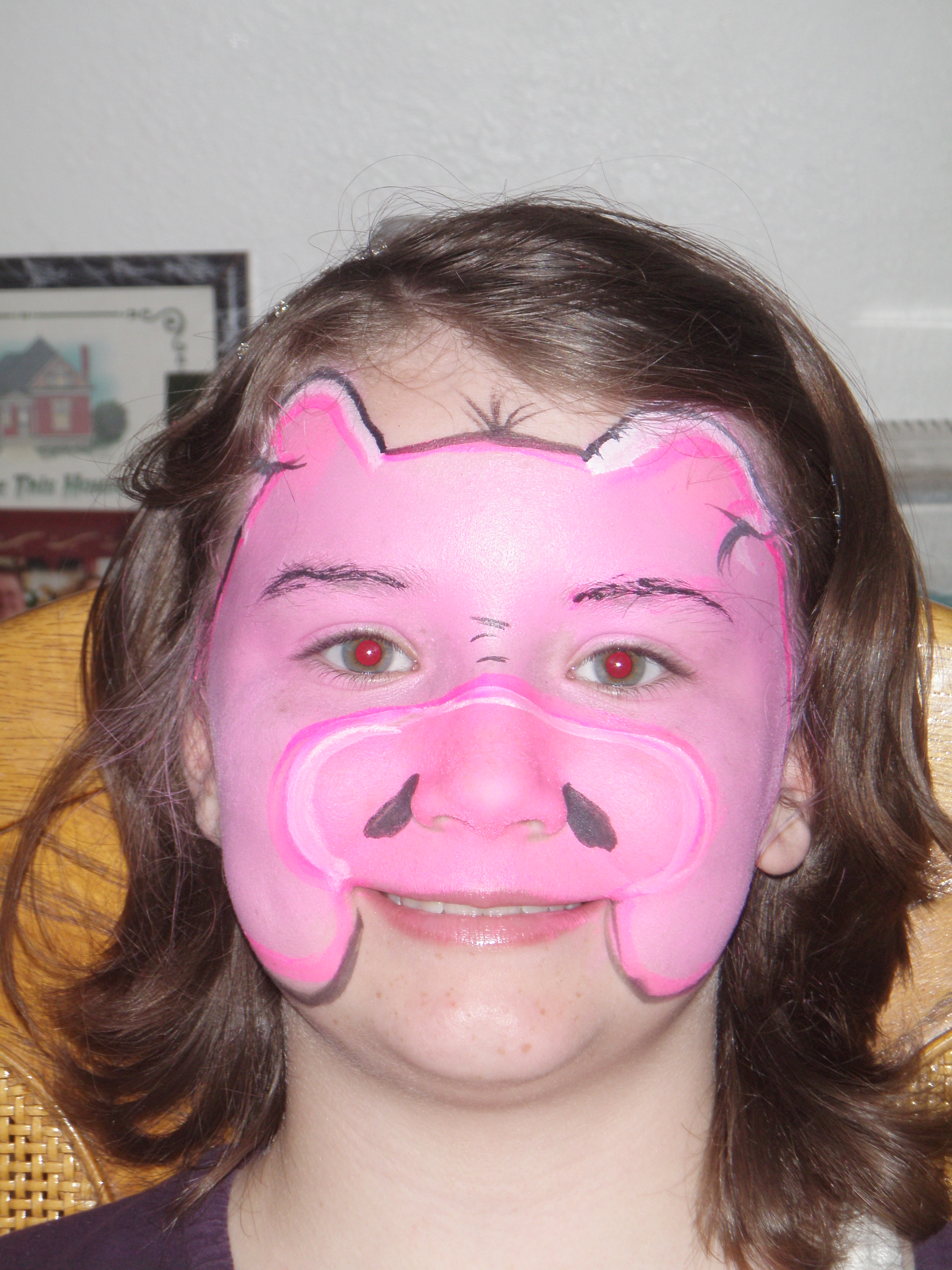 Face Painting Pig http://facepainterutah.blogspot.com/2013/05/jungle-themed-birthday-party-face-paint.html